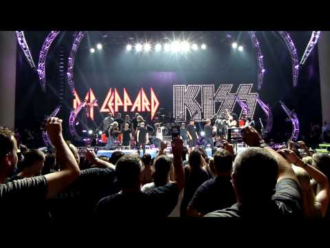 KISS And Def Leppard take the Ice Bucket challenge