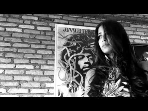 Jimi Hendrix - Purple Haze (Lyrics)