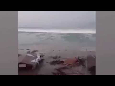 LARGE TSUNAMI WAVE After Large 7.7 Earthquake in Indonesia September, 28, 2018