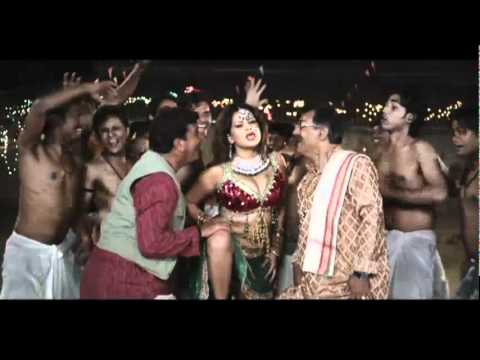 Sade-teen Baje Munni  - Hot Bhojpuri Item Song *ing Sapna And Ravi Kishan video