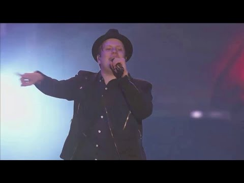 Fall Out Boy - This Aint A Scene Its An Arms Race Live