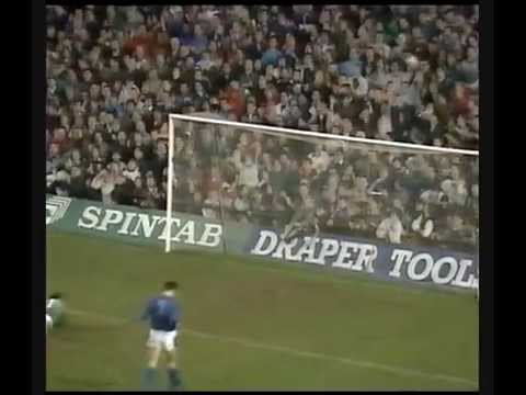 A video of one of the true goalkeeping greats.