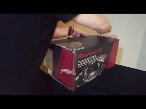 Unboxing Pioneer CDJ-2000 NXS2 & DJM-900 NXS2