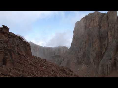 Шалбуздаг (Шалбуз-даг) — вершина в Дагестане.