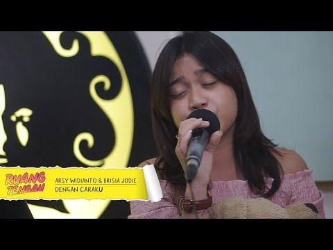 Download Lagu  ARSY WIDIANTO, BRISIA JODIE - DENGAN CARAKU Mp3 Free