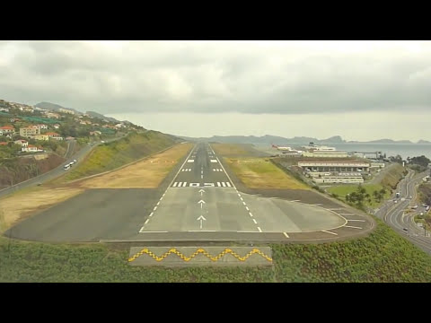 Airbus A320 Landing Funchal Madeira Cockpit view HD