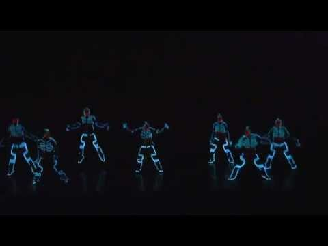 Coolest Dubstep TRON Light-Show Japan - Iluminate ? Americas got talent?