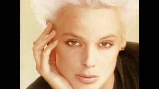 Brigitte Nielsen - The Persuader