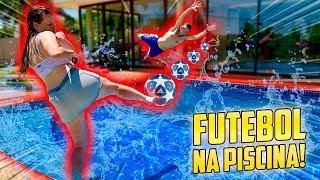 FUTEBOL NA PISCINA DA NOVA MANSÃO DO JOGADOR DE FUTEBOL!!