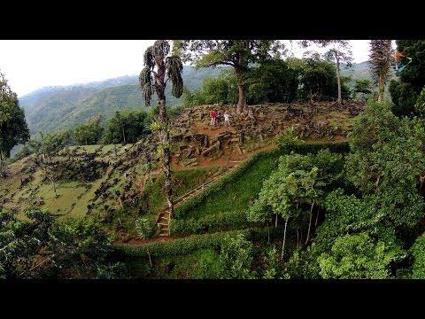 DRONE JOURNALISM: Situs Megalit Gunung Padang