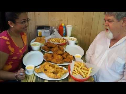 Momma Cuisine Food Travels - Fried Chicken & Ronald Reagan in Dixon, Illinois