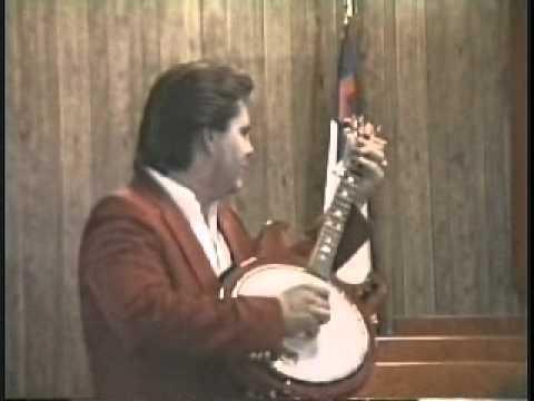 Doyle Dykes picks Banjo after revival service at Northport COG cerca 1991.wmv