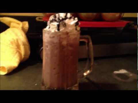 How To Make A Starbucks Double Chocolatey Chip Frapp!