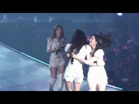 YoonSeoTae Moment – Kissing You Girls' Generation Tour In Bangkok
