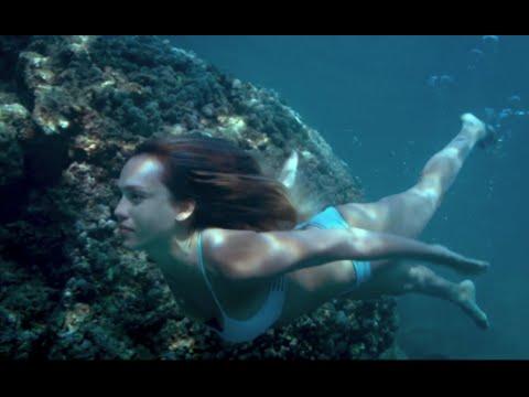 ジェシカ・アルバ35歳、魅惑のボディの水着シーン/映畫『メカニック:ワールドミッション』本編映像