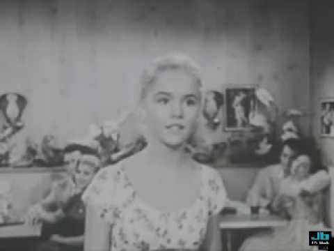 Tuesday Weld - I Never Had A Sweetheart (Tuesday lip-synchs and Connie Francis sings)