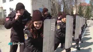 Provocare AISHOW: Aura și Mihaela în rol de carabinieri