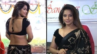 Neetu Chandra's hot waist and cleavage show in tiniest blouse