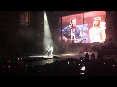 Blake Shelton joins Miranda Lambert on stage at American Airlines Center