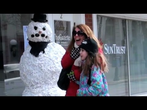 Public Trollin: Snowman Scare!