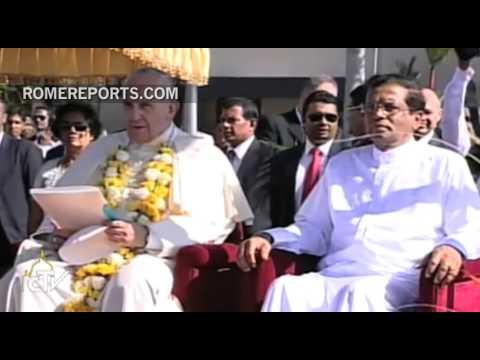 Un coro de niños canta tierna canción de bienvenida para el Papa en Sri Lanka