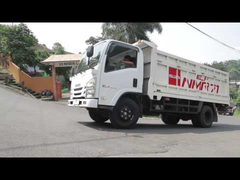 Isuzu Indonesia -ELF NMR 71 beraksi di tanjakan Trawas, Surabaya