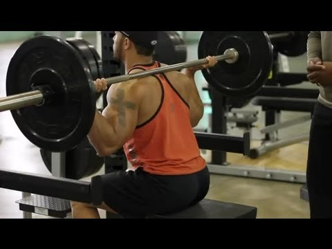 Box Squat Training for Powerlifting : Weightlifting Techniques Image 1