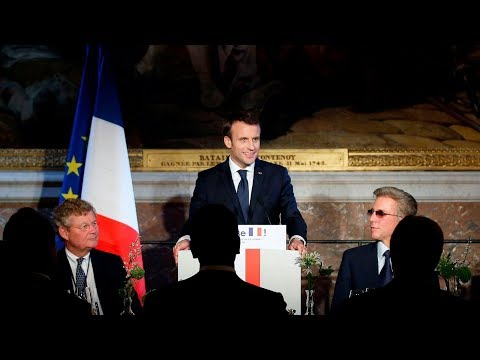 Macron seeks more foreign investment in Davos