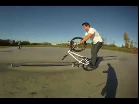 Tim Knoll creative BMX tricks