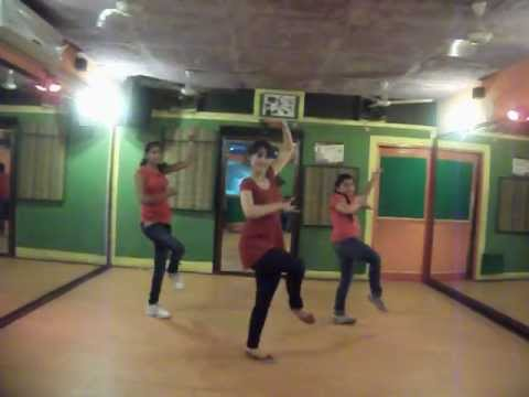 ajay devgn himmatwala naino mein sapnadance by step2step dance...