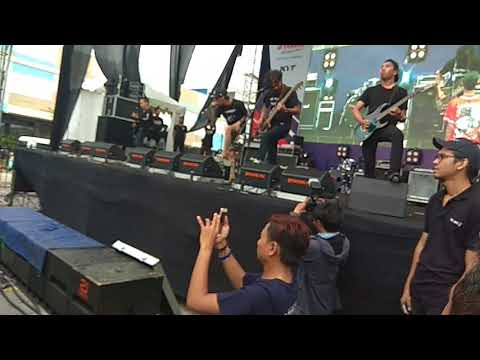 REVENGE THE FATE - AMBISI live at Area Parkir Technomart Galuh Mas, Karawang