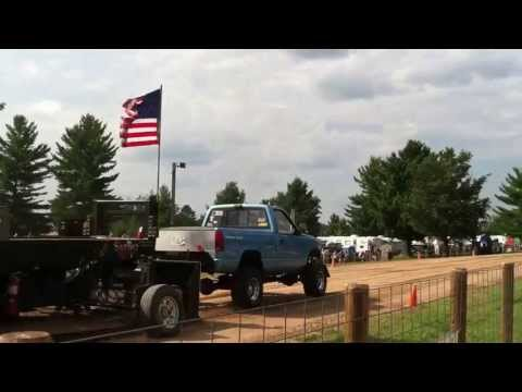 Boyd Myers truck pull small block chevy
