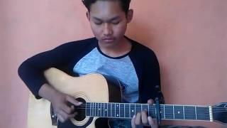 download lagu Suci Dalam Debuiklim-fingerstyle By Pungky Ag gratis