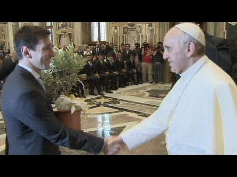Lionel Messi meets Pope Francis ahead of Italy v Argentina friendly - no comment