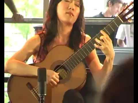 Xuefei Yang plays Recuerdos de la Alhambra