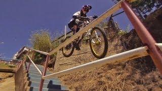 Descenso en bicicletas por un circuito urbano de CHILE
