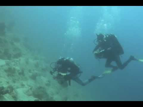 Rohan teaching an Decompression Procedures Course in Hurghada 2007 -  www.video-bubbles.com sony HC44 in a Nimar housing. Red filter, no artificial light.  Music : Queen (One vision, it's a kind of Magic), Eye of the Tiger www.jeromesmeets.be