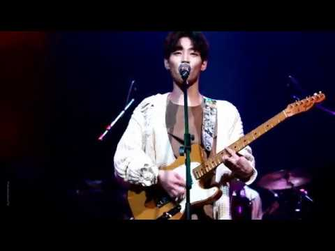 Download 171101 Showcase The Rose 더로즈 - California 우성 Focus Mp4 baru
