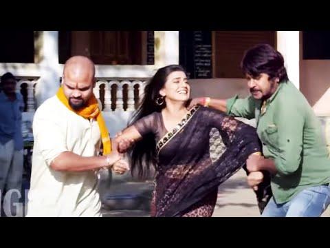 Sizziling Romantic Scene Of hot Bhojpuri Actress   Akshara Singh video