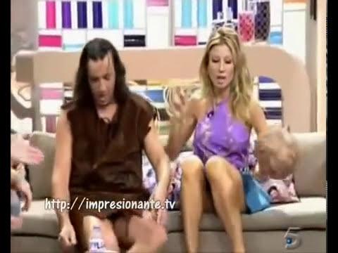 Descuidos de buenotas Famosas en Televisión ricas 07/10/14