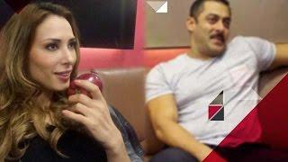 OMG! Iulia Vantur Seen In Salman Khan's Bedroom | Bollywood News