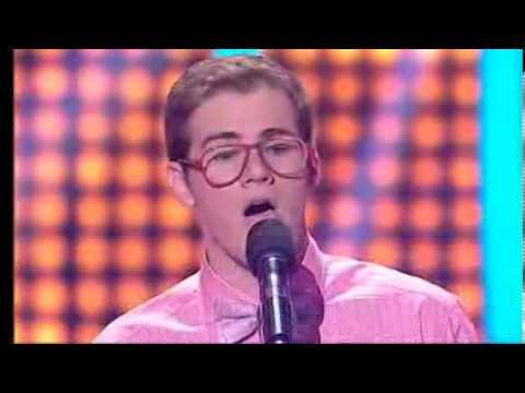 Chico sorprende con su voz cantando 'Feeling Good' en un programa de talentos de España