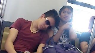 Dormidos En El Metro   Bromas En La Calle   Bromas 2014   SKabeche
