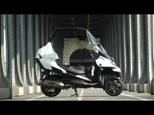 Vid�o Essai Adiva AD3 300 : Scooter 3 roues version cabriolet !