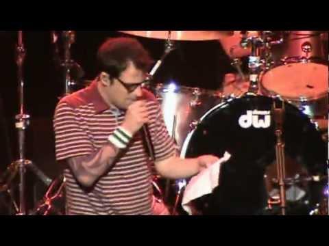 Weezer ~ pumped Up Kicks (costa Mesa, Ca) video