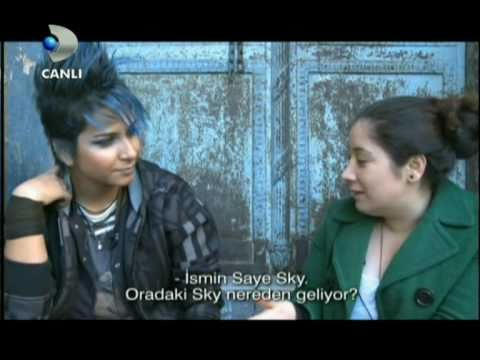 Saye Sky In Channel D Turkey (iranian Lesbian Singer) 20101031 024938 Kanal D.flv video