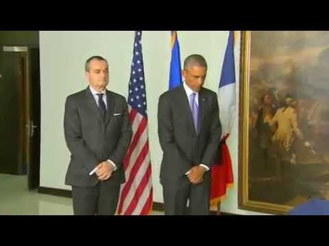 Obama visits French embassy to pay respects after Paris attack