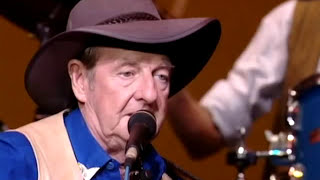 Watch Slim Dusty Indian Pacific video