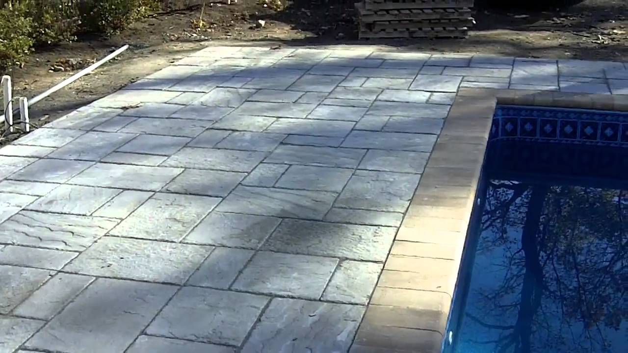 In Ground Vinyl Liner Pool With Cantilever Paver Stone