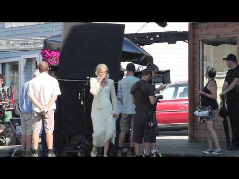 Jennifer Morrison OUAT set 19/08/2014